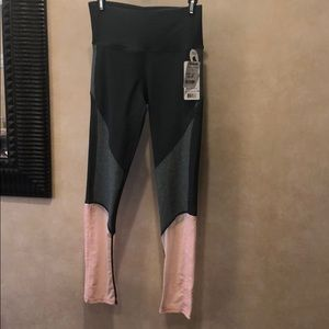 NEW WITH TAGS Sporty leggings